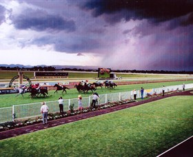 Hawkesbury Race Club - Carnarvon Accommodation