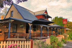 Royal Cricketers Arms - Carnarvon Accommodation
