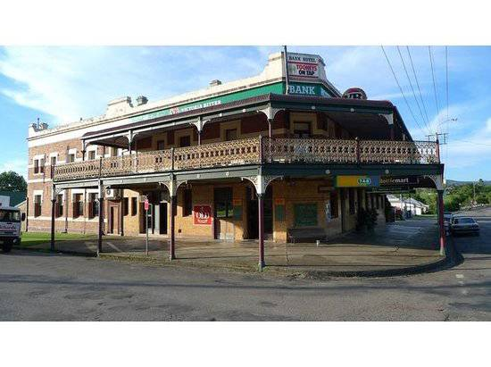 Bank Hotel Dungog - Carnarvon Accommodation