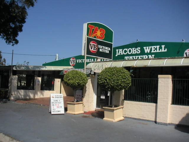 Jacobs Well Bayside Tavern - Carnarvon Accommodation