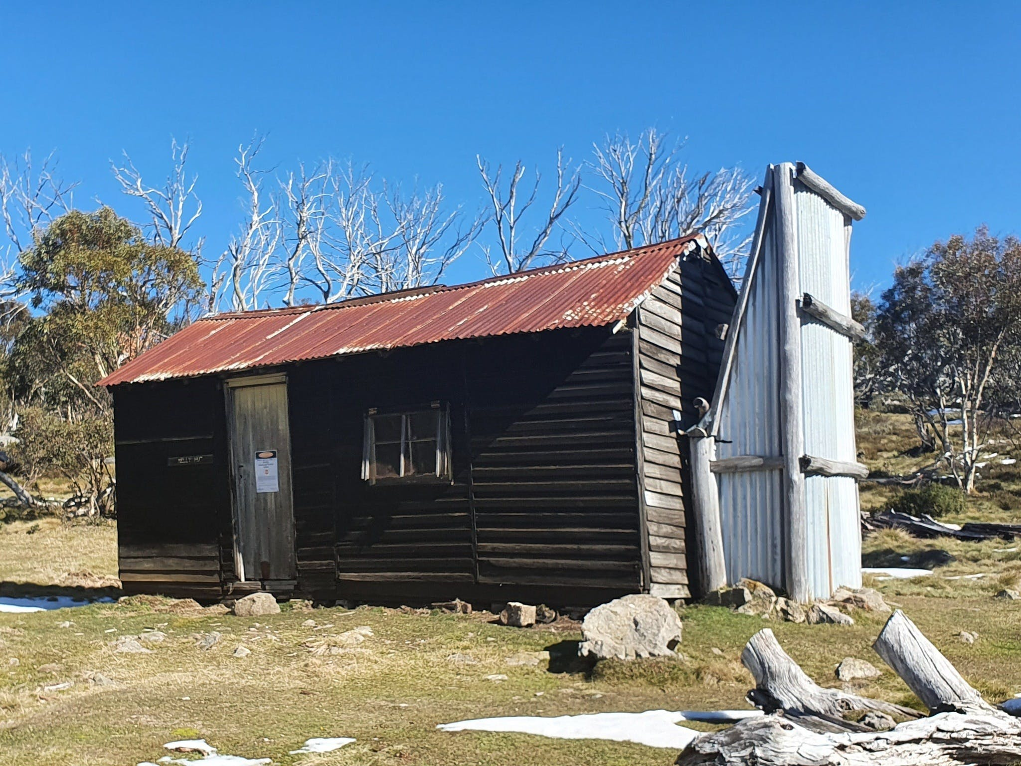 Hedonistic Hiking's Razorback to Harrietville - Carnarvon Accommodation