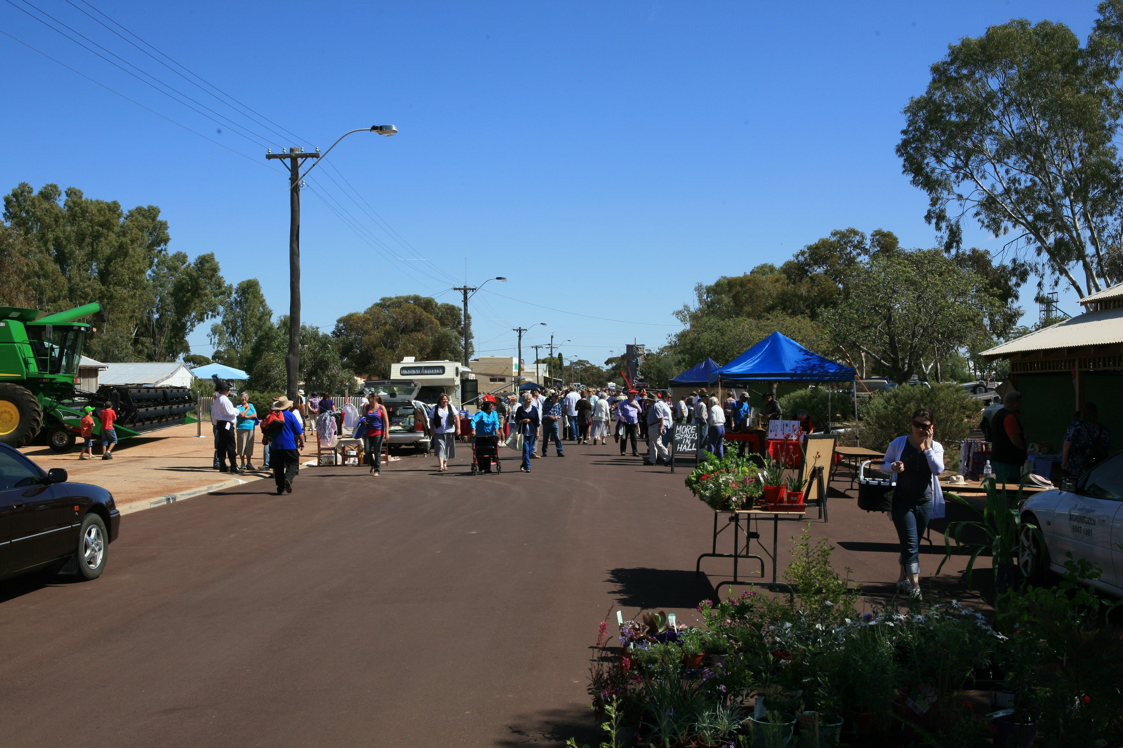 Nungarin Markets - Carnarvon Accommodation