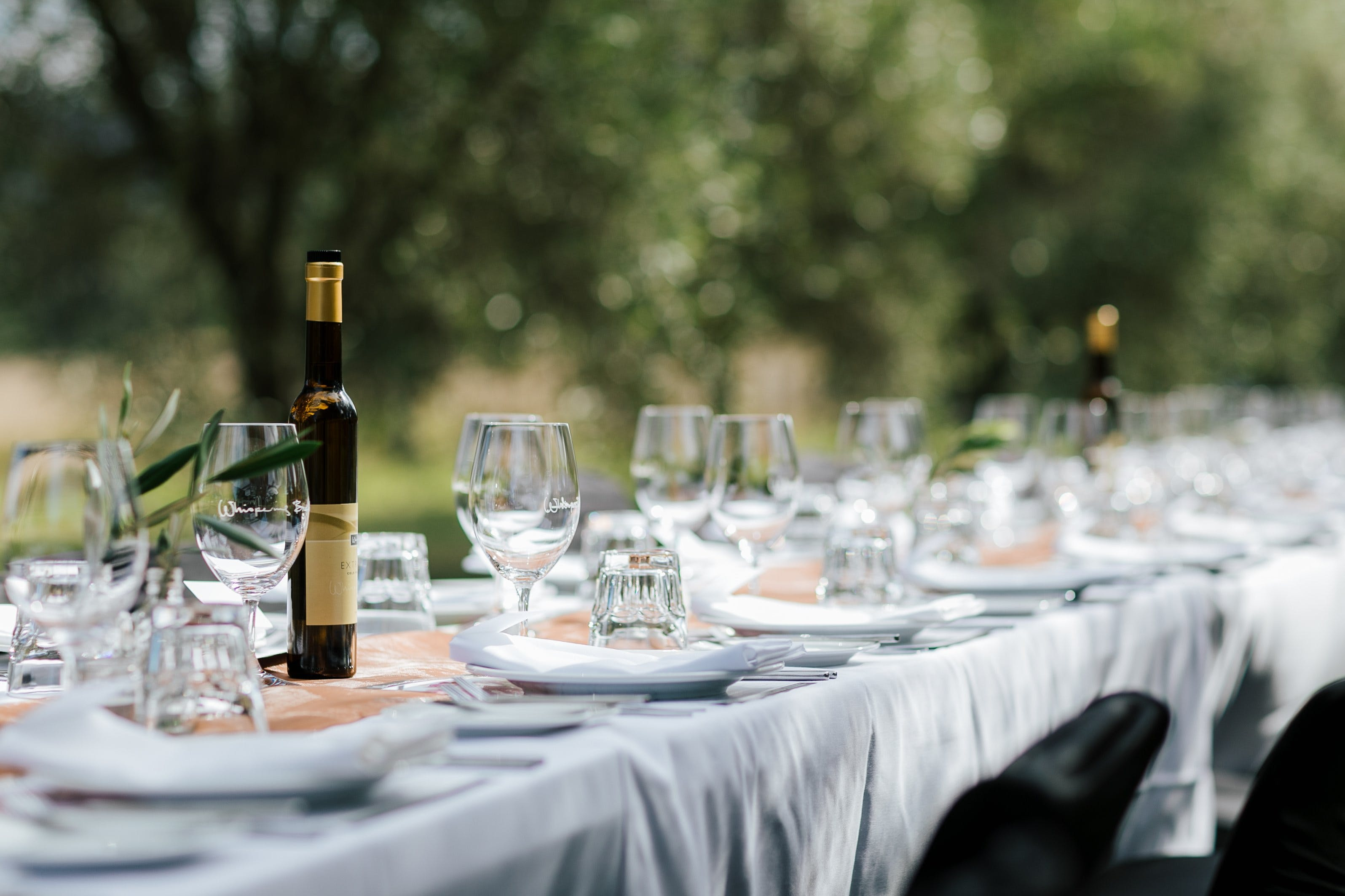 Whispering Brook Olive Long Table Luncheon - Carnarvon Accommodation