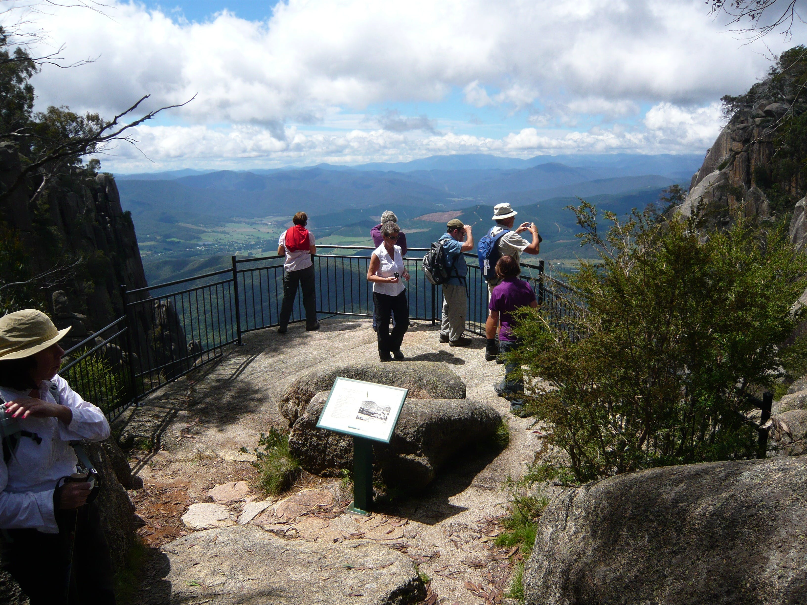 Hedonistic Hiking's Mount Buffalo Hike and Picnic - Carnarvon Accommodation