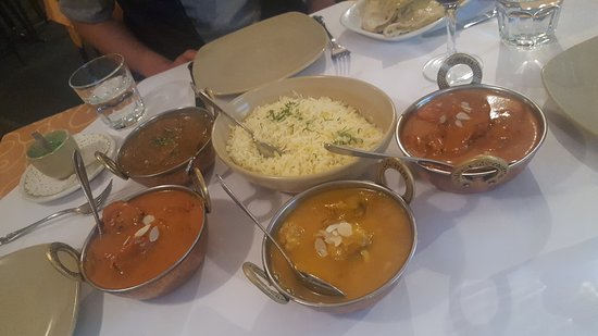 Tandoori  Curry Club - Carnarvon Accommodation