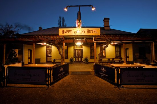 Happy Valley Hotel - Carnarvon Accommodation