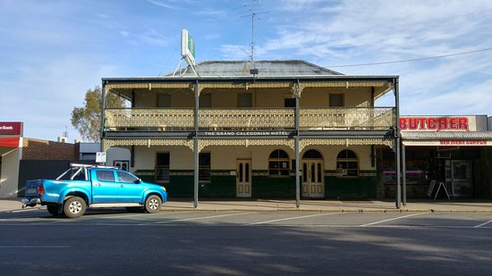 The Grand Caledonian Hotel - Carnarvon Accommodation