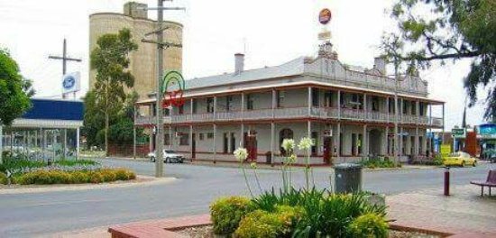 The Grand Central Hotel - Carnarvon Accommodation
