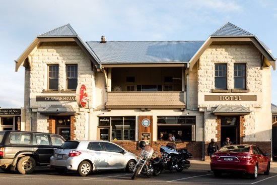 Yarragon Hotel - Carnarvon Accommodation