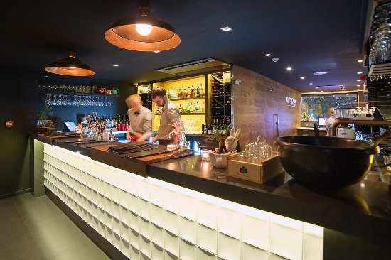The Oakroom Kitchen and Bar - Carnarvon Accommodation