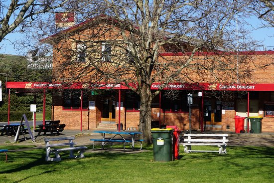 Snow Goose Hotel Adaminaby - Carnarvon Accommodation