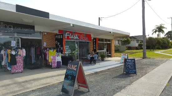 Flash Pies - Carnarvon Accommodation