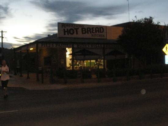 Robbo's Restaurant at Robertson's Hot Bread Kitchen - Carnarvon Accommodation