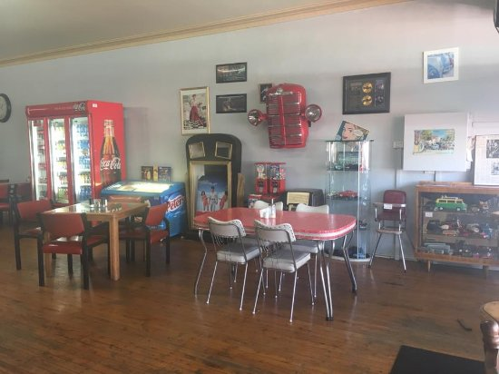 The Plateau Cafe - Carnarvon Accommodation