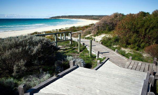 Bunkers Beach House - Carnarvon Accommodation