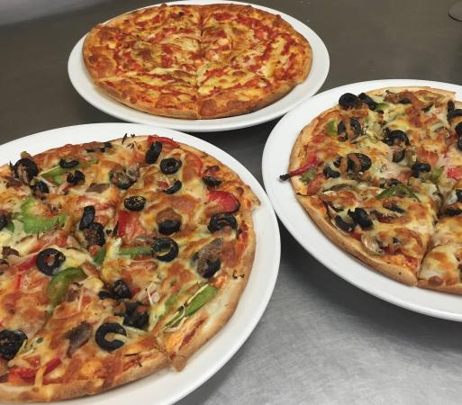 Sammys Pizza Family Restaurant - Carnarvon Accommodation