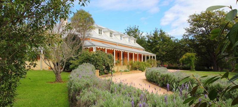 The Fitzroy Inn Dining Room - Carnarvon Accommodation
