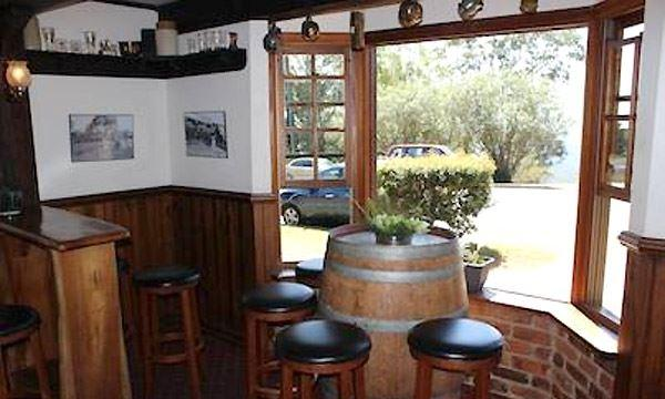 Montville Cafe Bar and Grill - Carnarvon Accommodation