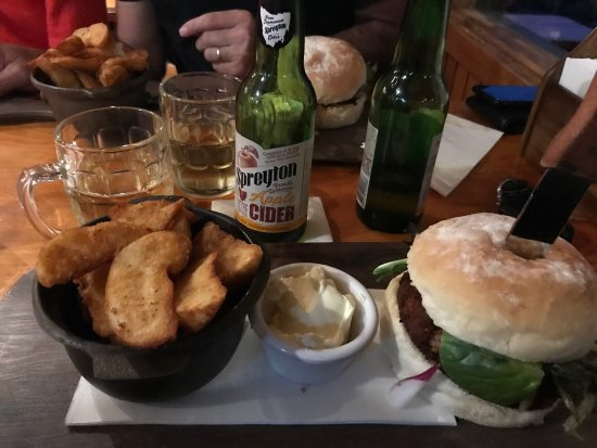 Peppers Cradle Mountain Lodge Tavern Bar  Bistro - Carnarvon Accommodation