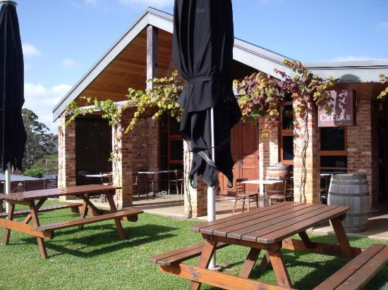 Singlefile Winery Restaurant - Carnarvon Accommodation