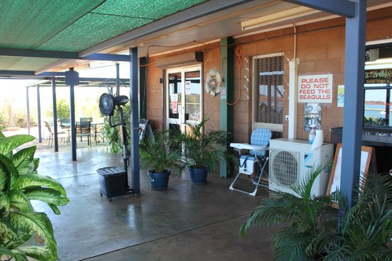 Road Runner Cafe - Carnarvon Accommodation