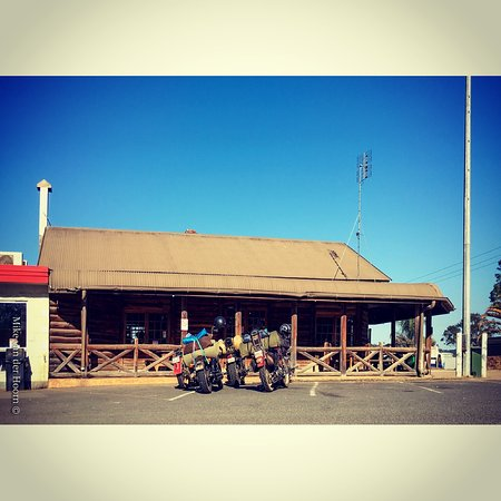 Gold Nugget Truck Stop - Carnarvon Accommodation