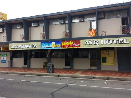 Ayr Hotel - Carnarvon Accommodation