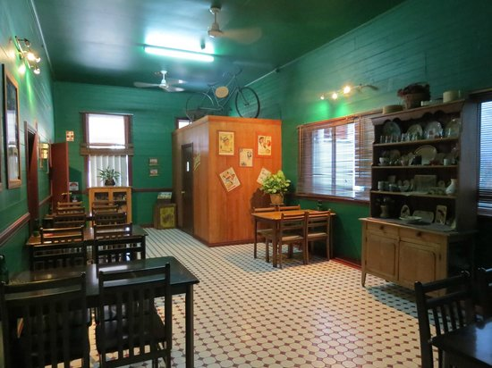 Irish Molly's Bar  Grill - Carnarvon Accommodation