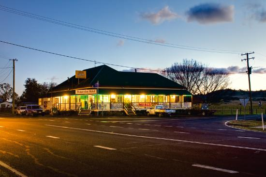 Dugandan Hotel - Carnarvon Accommodation