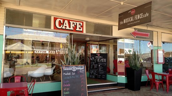 The Musical Fence Cafe - Carnarvon Accommodation