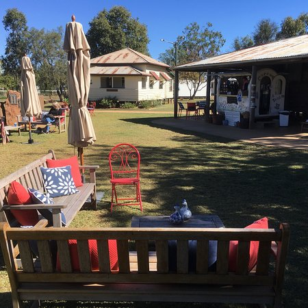Rolleston Coffee Cart - Carnarvon Accommodation