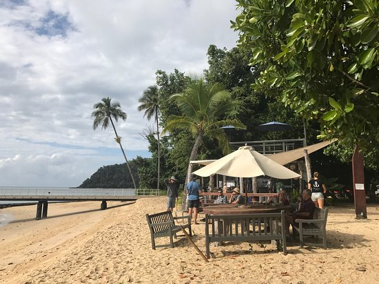 Sunset Bar Dunk Island - Carnarvon Accommodation