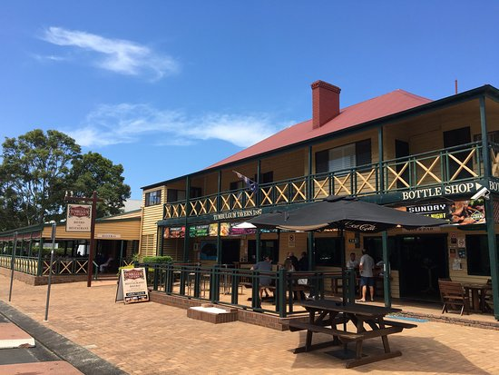 Tumbulgum Tavern - Carnarvon Accommodation