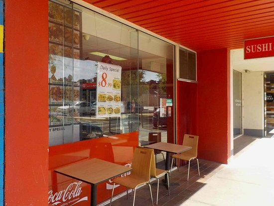 Lara Sushi  Noodles - Carnarvon Accommodation