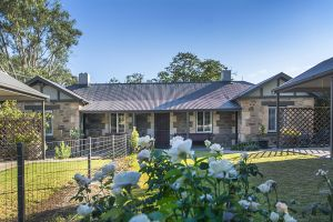 Stoneleigh Cottage Bed and Breakfast - Carnarvon Accommodation