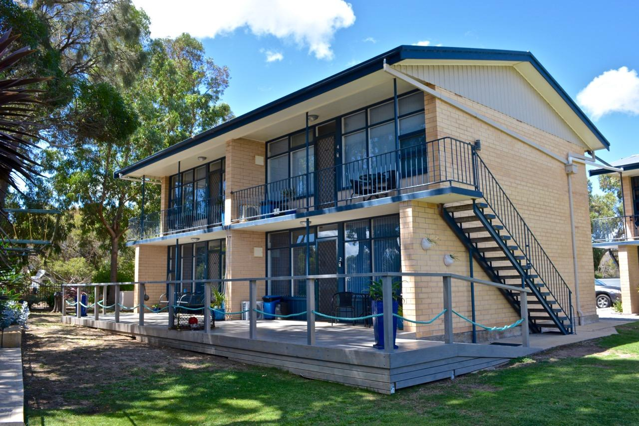 Longbeach Apartments - Carnarvon Accommodation