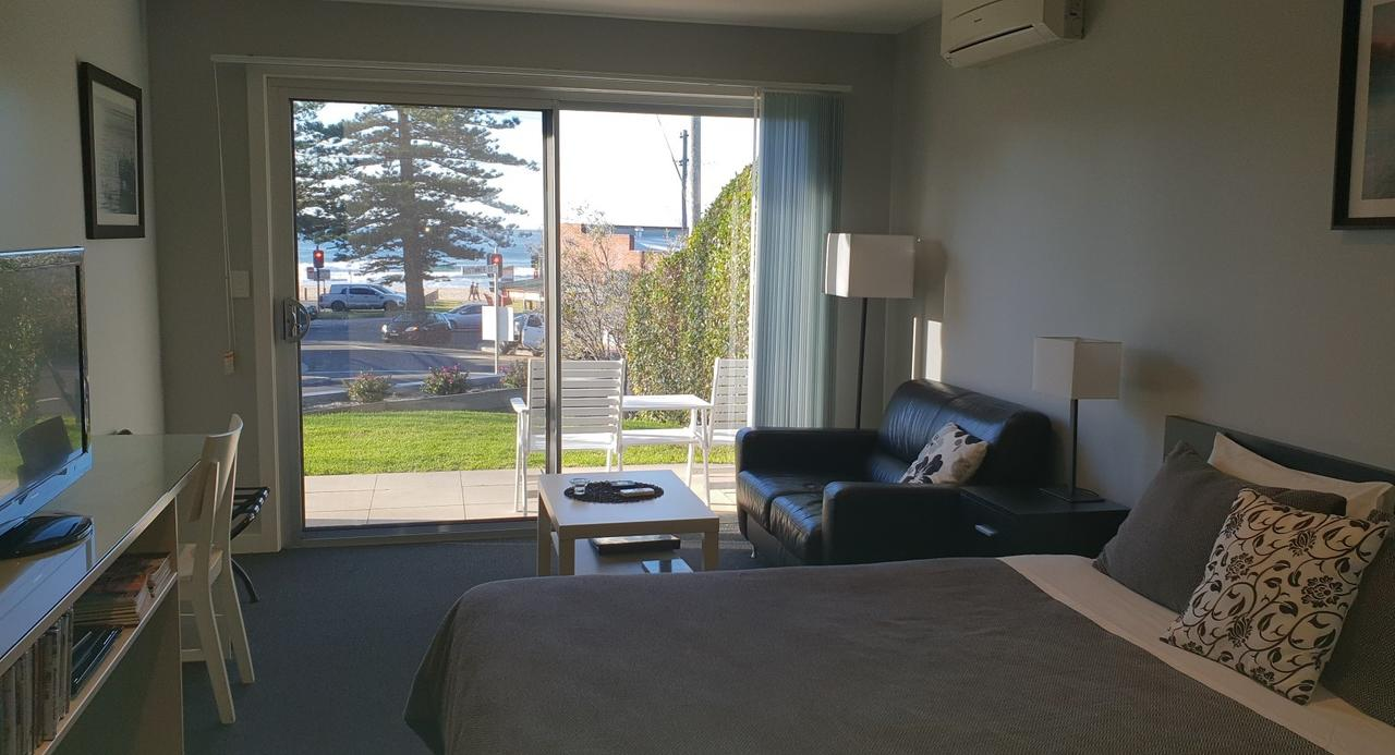 2 Austinmer Studio - Carnarvon Accommodation