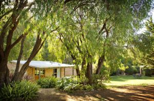 Peppermint Brook Cottages - Carnarvon Accommodation