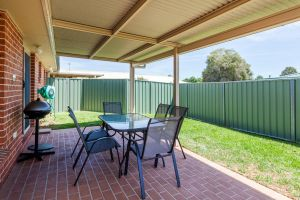 Colonial Court Villas - Carnarvon Accommodation