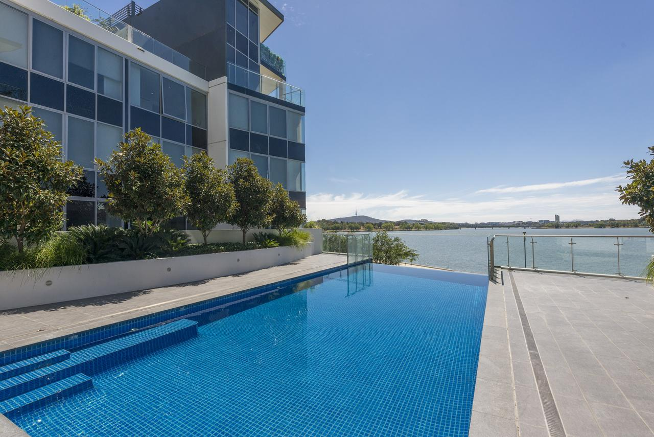 Accommodate Canberra - Lakefront - Carnarvon Accommodation