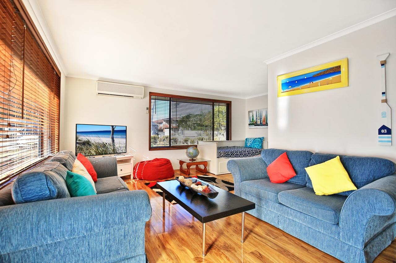 Sandy Toes Beach House Jervis Bay - 2min to Beach - Carnarvon Accommodation