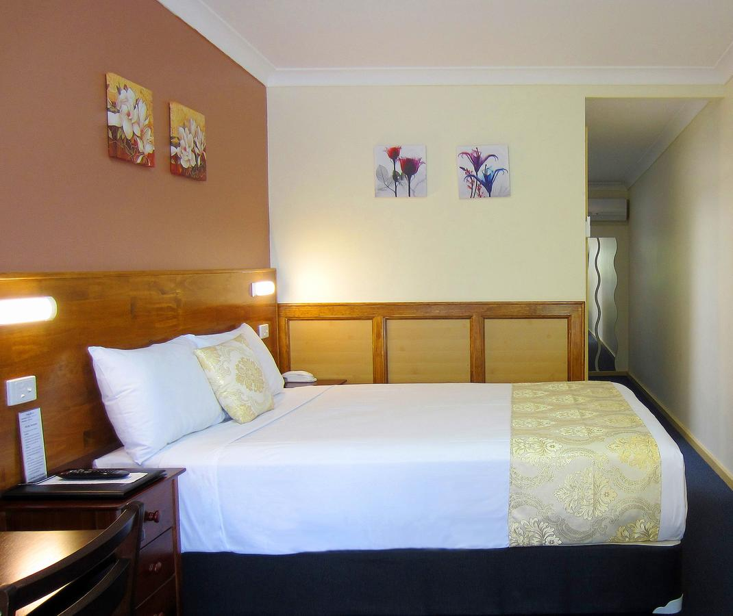 Highway Motor Inn Taree - Carnarvon Accommodation