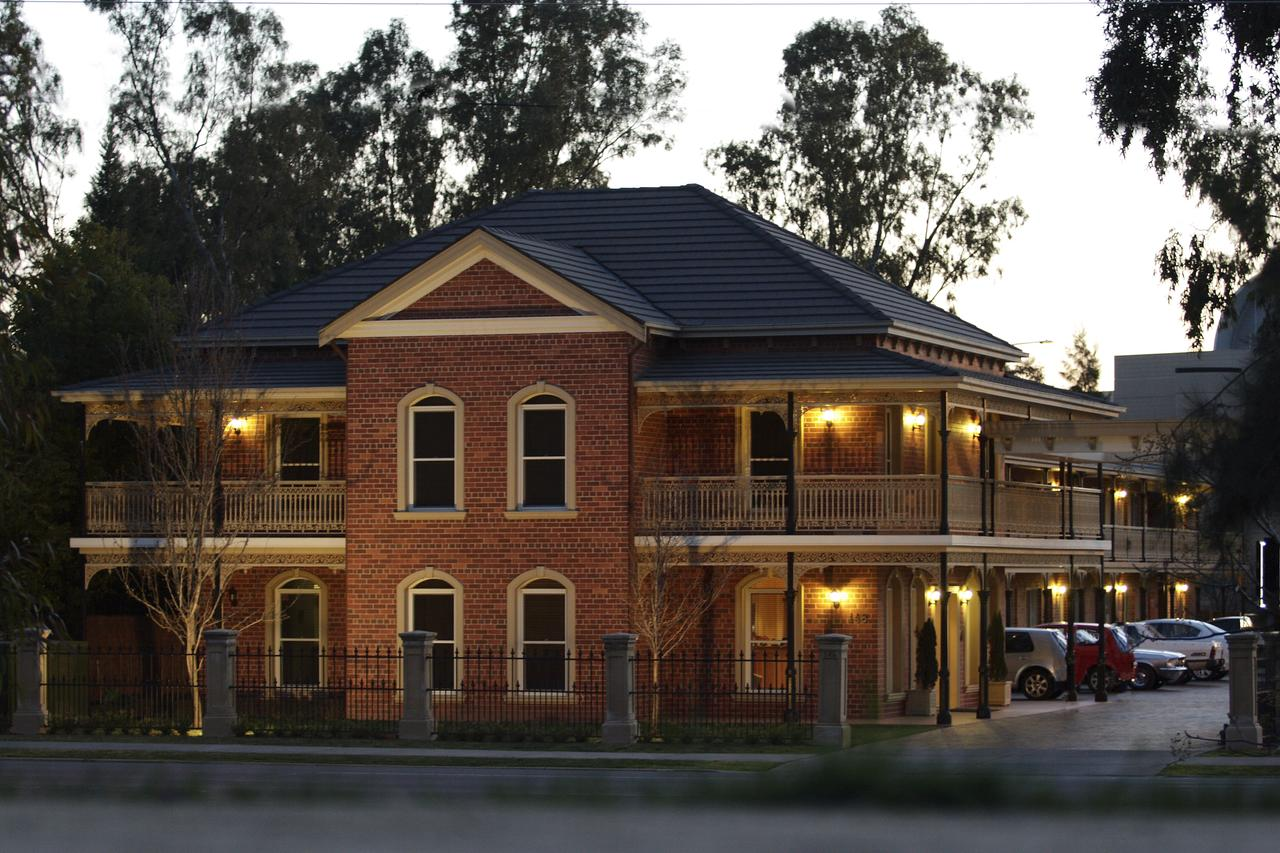 Carlyle Suites  Apartments - Carnarvon Accommodation
