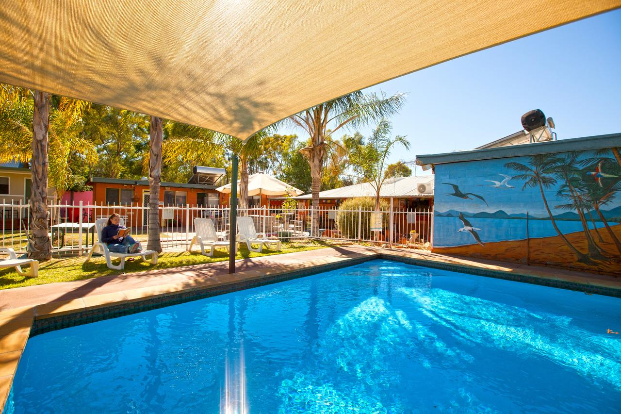 Alice Lodge Backpackers - Carnarvon Accommodation