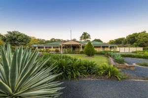 Bonville Lodge Bed  Breakfast - Carnarvon Accommodation