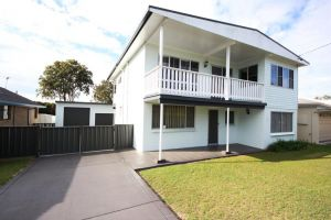By The Beach at South West Rocks - Carnarvon Accommodation