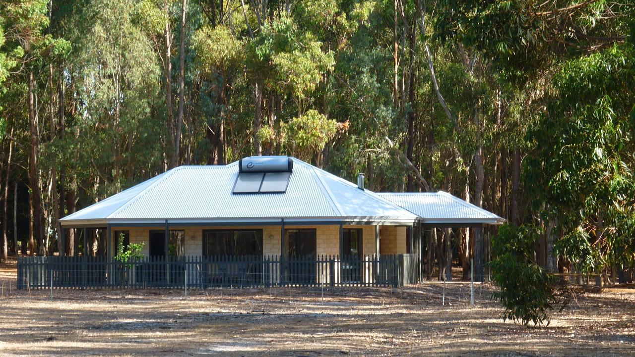 Margaret River Hideaway  Farmstay - Carnarvon Accommodation