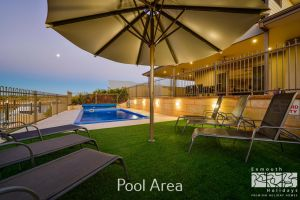 7 Kestrel Place - PRIVATE JETTY  POOL - Carnarvon Accommodation
