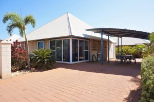 Osprey Holiday Village Unit 122/2 Bedroom - Perfectly neat and tidy apartment - Carnarvon Accommodation