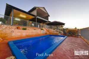 3 Kestrel Place - PRIVATE JETTY  POOL - Carnarvon Accommodation